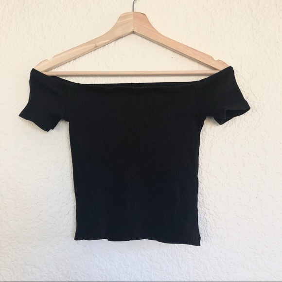H&M Tops - OFF THE SHOULDER TEE
